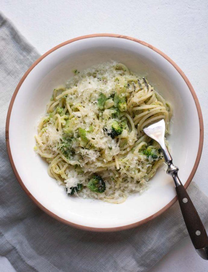 Spaghetti med broccolipesto