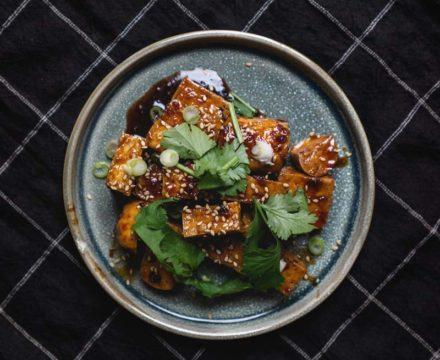 Stegt tofu – sojaglaseret